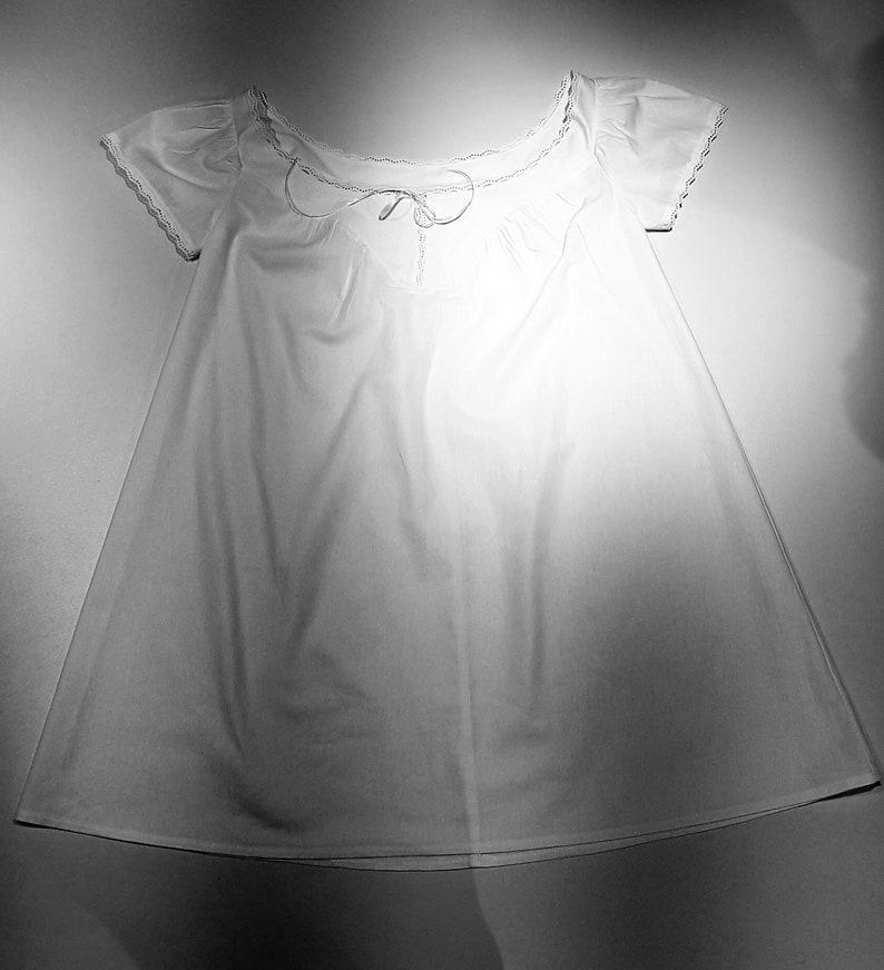 camisole 1850-1860 mid 19th century underwear Victorian fashion Woman chemise
