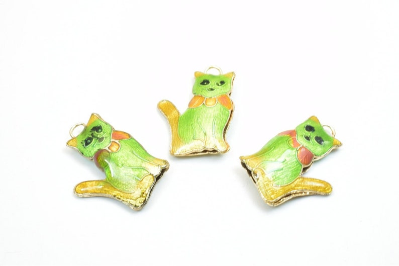 3 PCs Cat Cloisonne Pendant Animal Beads Size 27.5x20mm Thickness 5mm Enamel Design Sweater Chain Charm For Jewelry Making