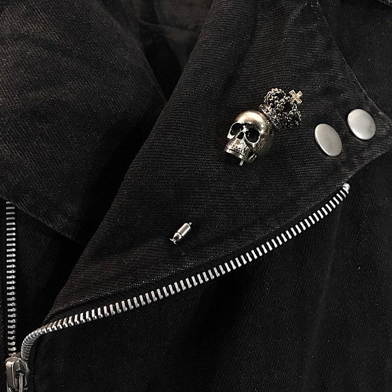 Skull with crown Lapel Pin in White Bronze Skull jewelry,Biker jewelry Rocker jewelry