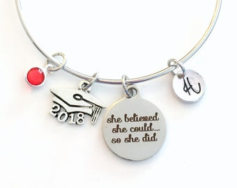 2018 Grad Cap Charm Bracelet, Graduation Gift for Teenage Girl Jewelry Silver Bangle, She believed she could so she did can hat mortar board