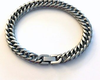 9mm Curb Chain Bracelet Stainless Steel / Non tarnish Link Bracelet / Men Boy Male Man women / 22cm long biker punk rocker / Thick style