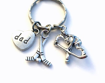 Hockey Keychain for Dad, Father's Day Present Key Chain, Family Heart - Grandpa Aunt Uncle Mom Son Stick Keyring, Hockey player husband