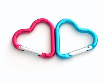 Heart Shaped Keychain, Aluminum Alloy Heart-shaped Camping Carabiner Spring Snap Clip Hook Key Chain EDC Climbing Car Key Chain Blue Pink