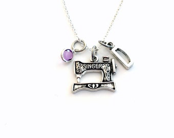 Gift for Seamstress Necklace / Silver Sewing machine Jewelry / Home Economics Student / Birthday Present for Mom / Mother's Day Gift for mum
