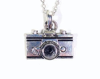 Camera Necklace, Gift for Photographer Jewelry, Photography Silver Charm, Pendant Wedding Photo Birthday Present Student Graduation Man Men