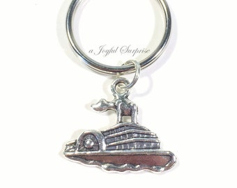 Boat Keychain Cruise Ship  Key Chain, Vacation Keyring Gift for Captain Steamboat Birthday present vacation Travel vehicle Charm Present man
