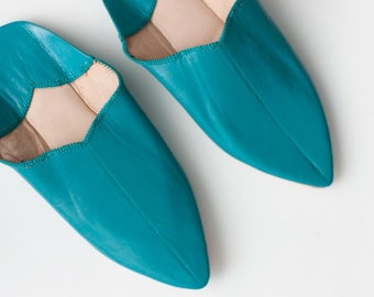 Women's Leather Slippers    Traditional Moroccan Pointed Babouche    Dyed With Natural Colour    Teal