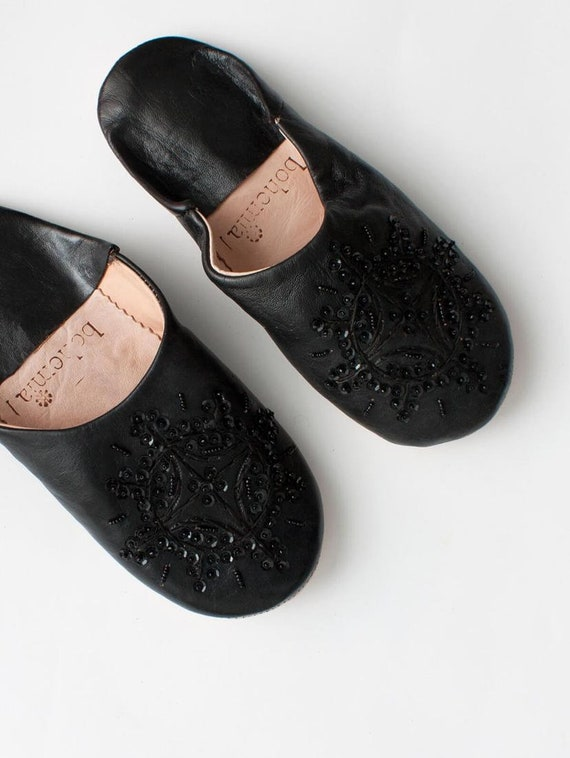MOROCCAN BLACK LEATHER SEQUINED SLIPPERS Size 5//38