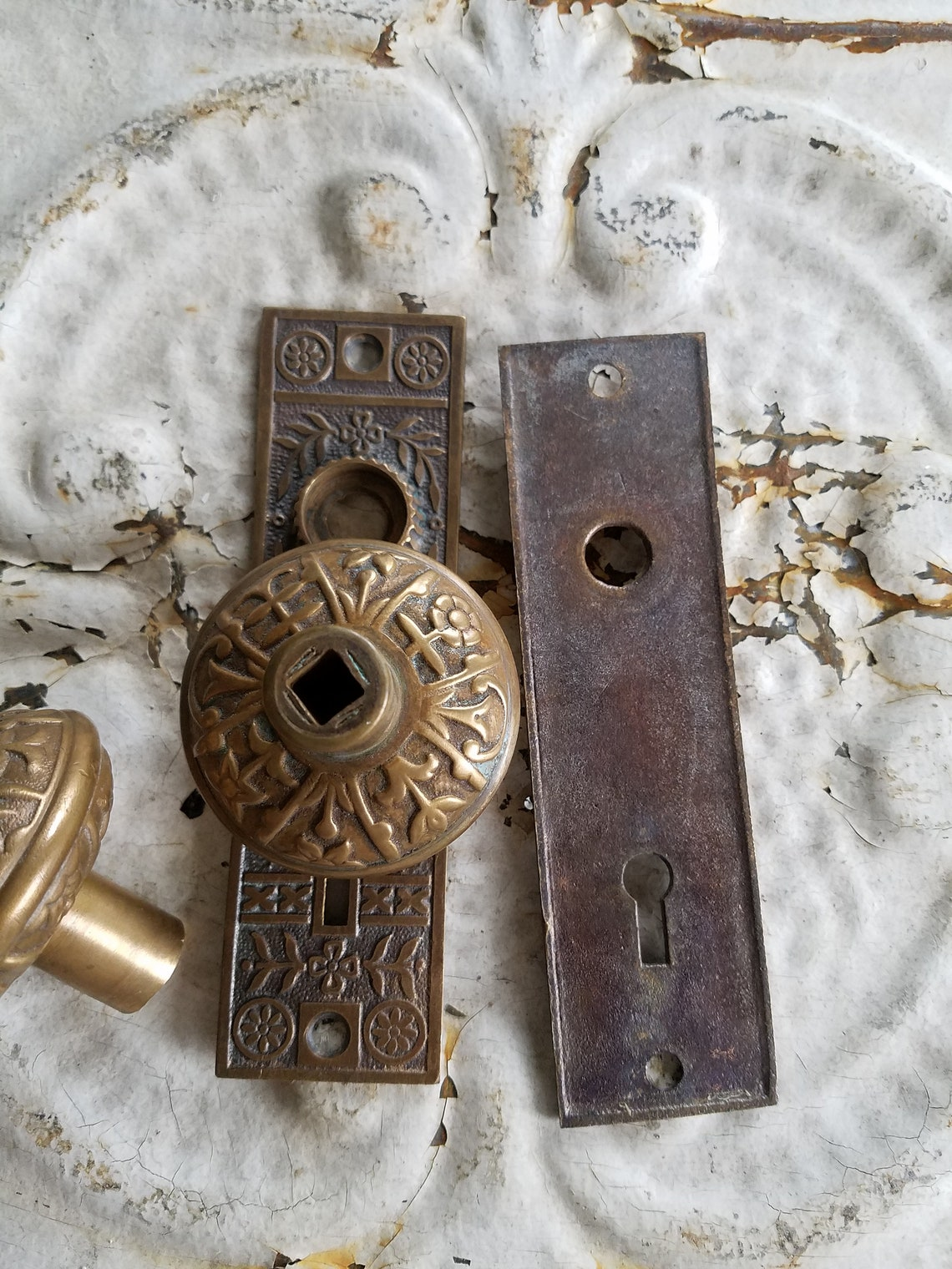 Lockwood Hardware, Victorian Doorknobs, Ornate Knobs and Plates, Doorknob Set, Antique Door Knobs, Door Knob Plates, Eastlake Hardware