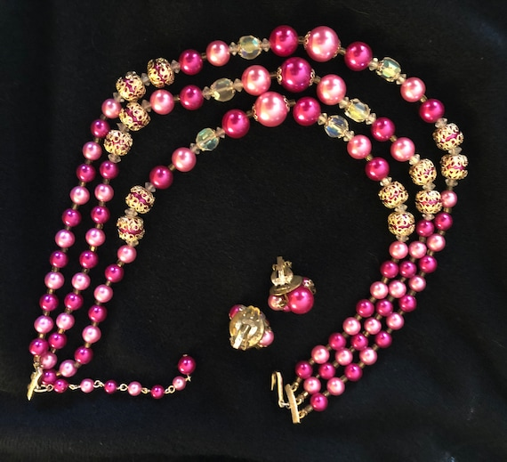 60's Pink Plastic beaded Necklace and matching cl… - image 4