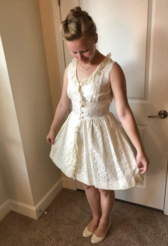 1960s white lace mini-dress, 60s vintage wedding … - image 5