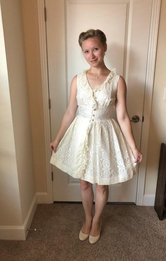 1960s white lace mini-dress, 60s vintage wedding … - image 2