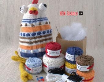 De Estraperlo - HEN Sisters #3 - DIY Crochet kit, amigurumi kit, Christmas Gift, Crochet Doll, Stuffed Animal, Crafter Gift