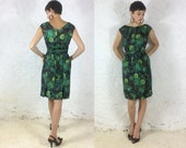 1960s Hourglass Green floral dress with matching attached belt