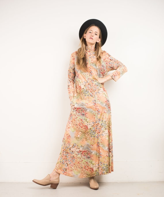VINTAGE PASTEL COLOR Asian Inspired Floral Maxi Dr