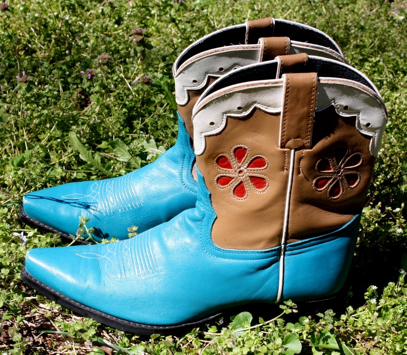 73d262b74b192 Tony Lama Cowboy Cowgirl Boots Flower Turquoise Red White Lace Leather  Western Boot Inlay Country Girl Southwestern Chic Texas Texan Vintage