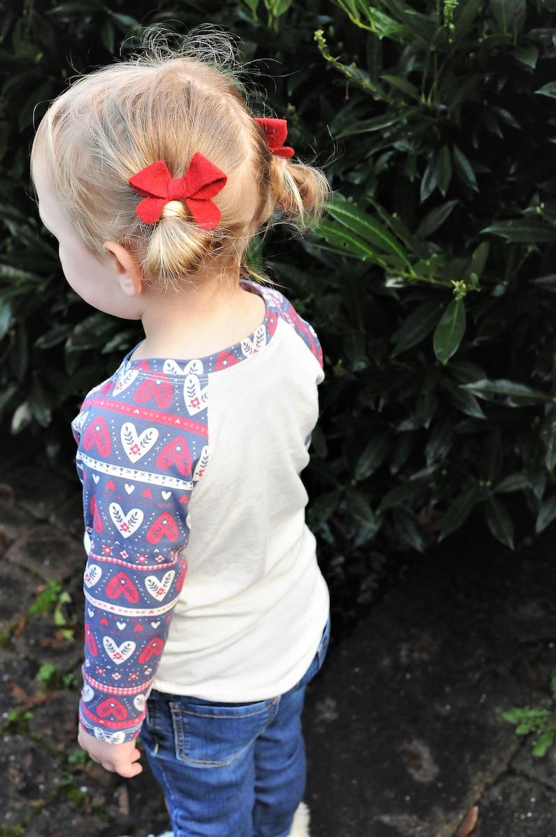 Valentine/'s Kids Valentine/'s Shirt Valentine/'s Baby Outfit Baby Hearts Shirt Valentine/'s Gift Toddler Girl Hearts Valentine Raglan