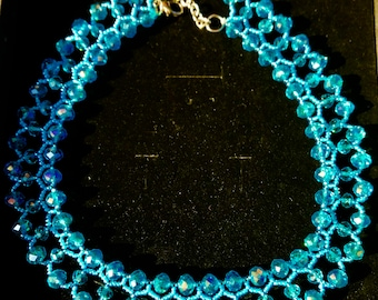 Necklace handmade of high-quality materials (crystal)