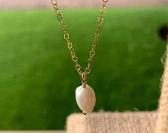Pearl necklace, fresh pearl necklace, sentimental jewelry, minimalist jewelry, layering necklace, dainty necklace, delicate necklace,