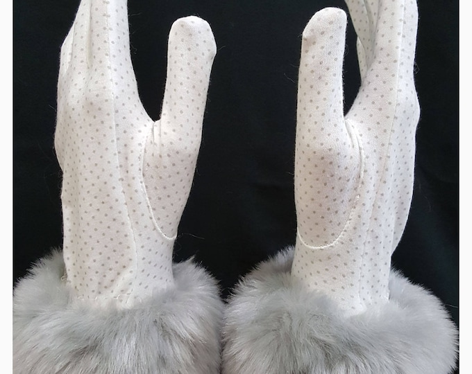 Gloves white cotton with gray micro dots and gray faux fur cuffs.