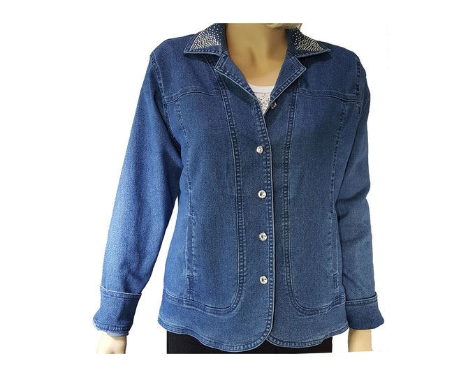 Denim bling Jacket long sleeves, pockets, and rhinestone buttons with embellishment on back.