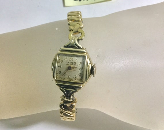 1940s Lady's Gruen Hand Wind Veri Thin Watch Gold Filled 15mm by 26mm with Expansion Band