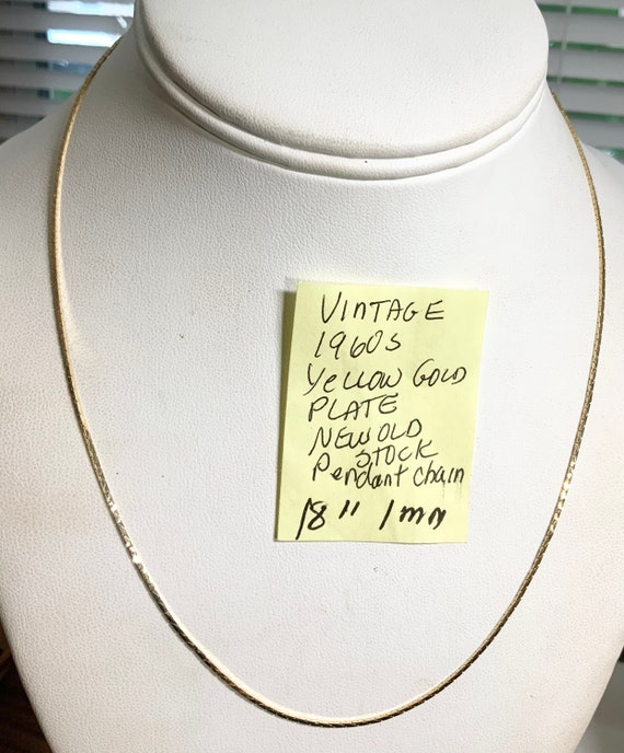 """Vintage 1960s New Old Stock Yellow Gold Plate Pendant Chain 18"""" 1mm"""