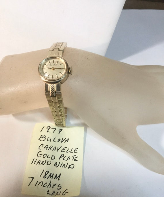 1979 Bulova Caravelle Ladys Hand Wind Gold Plate Bracelet Watch 18mm 7 inches long