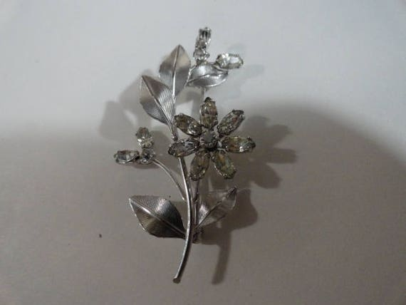 Vintage Krementz Rhinestone Flower  Pin Brooch 1 1/4 by 2 inches