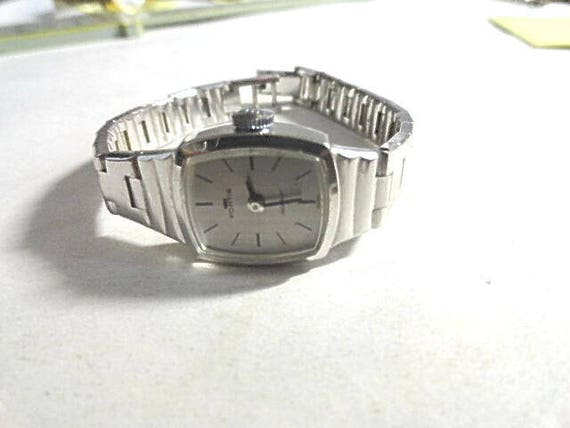 Vintage 1980s Fortis Hand Wind Silver Tone Ladys Watch Running  16mm 6 inch