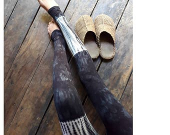 Deep black, snake meets aquarell  Leggings,Tie Dye Leggings, batik leggings, yoga leggings