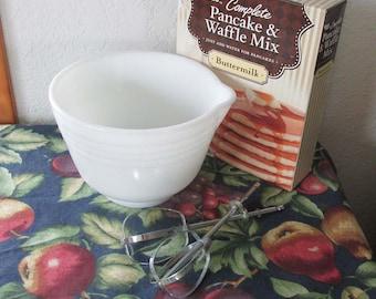 Pyrex Mixing Bowl | Vintage Kitchen