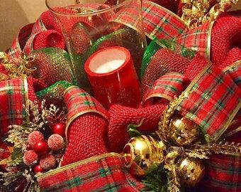 Christmas centerpiece, holiday centerpiece, burlap Christmas centerpiece, Christmas decor, Christmas table decor, plaid Christmas decor