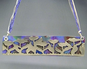 Necklace, flower necklcoloured necklace, hand-cut necklace, mid-length necklace, statement necklance
