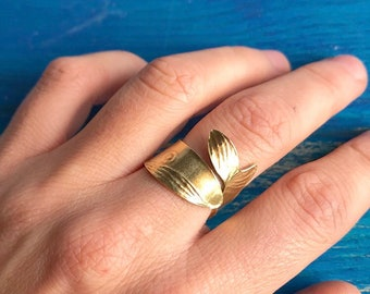 WHALE RING, whale lover gift, adjustable ring for woman, cuff ring, ocean jewelry, sperm whale jewelry, animal ring, sea life jewelry,