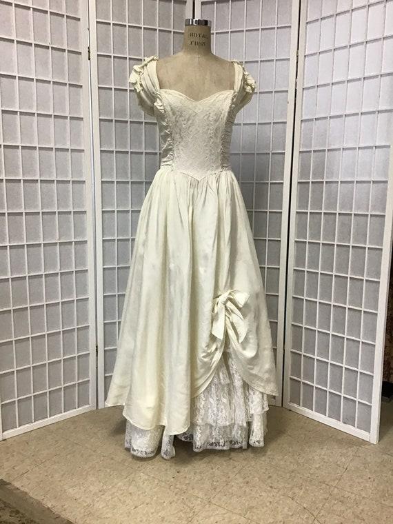 1970s White Gunne Sax Gown