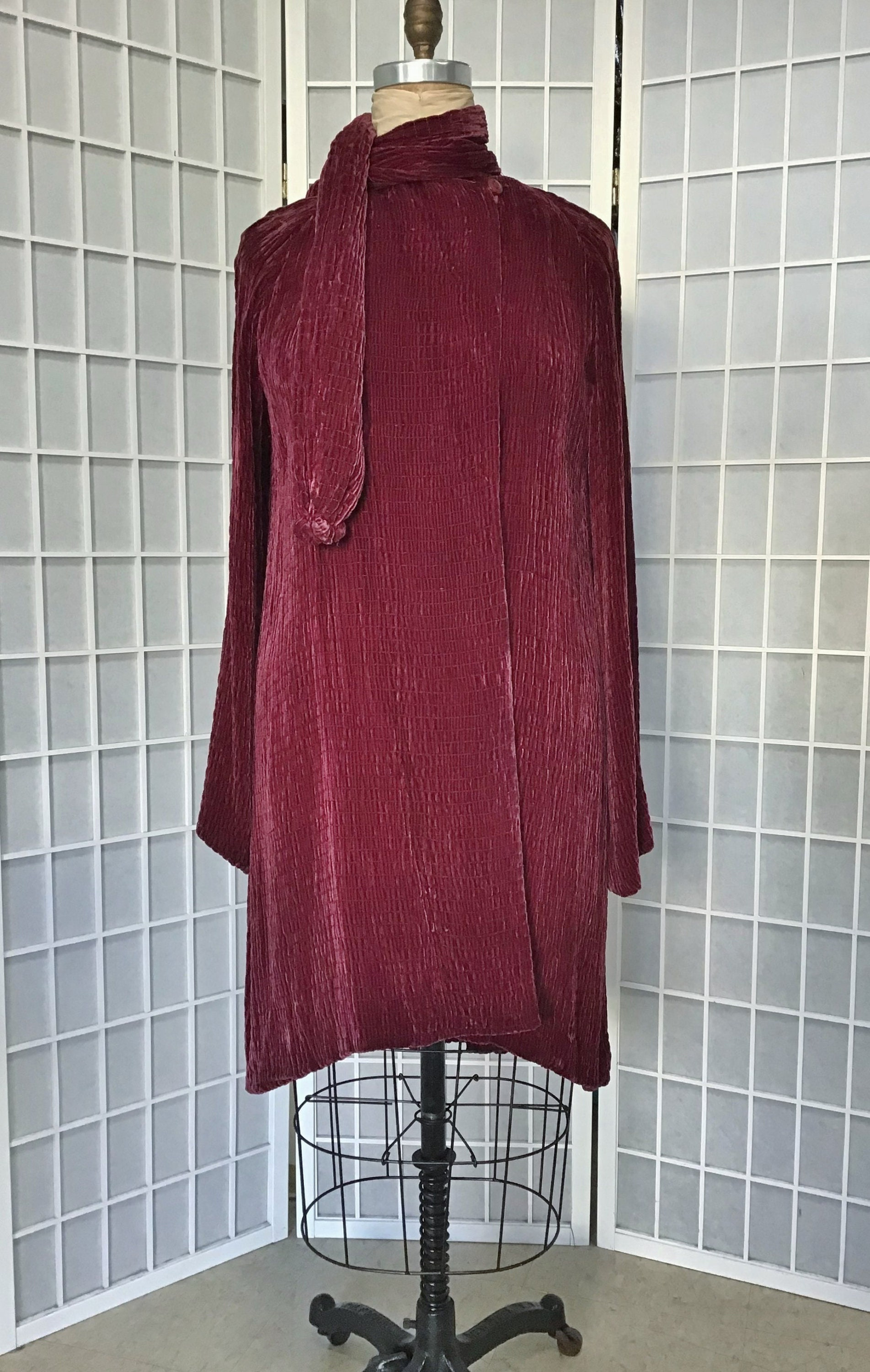 Vintage Scarf Styles -1920s to 1960s 1930S Silk Velvet Coat With Attached Scarf, Pauline Models $36.00 AT vintagedancer.com