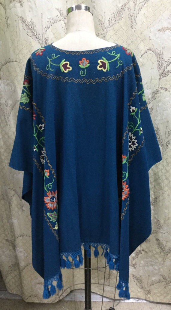 Vintage 1960s Royal Blue Embroidered Wool Shawl, … - image 4