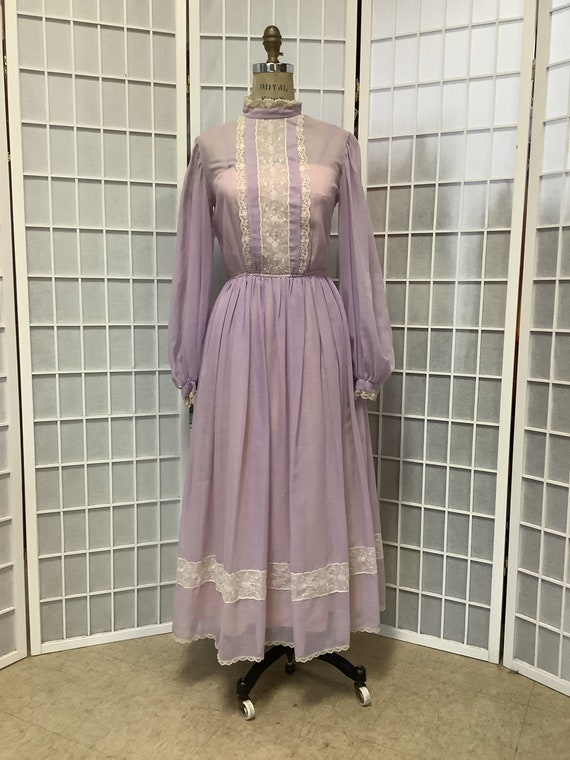 1970s Lilac and Lace Prairie Dress