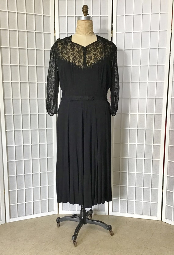 Size XL 1940s Black Lace Dress