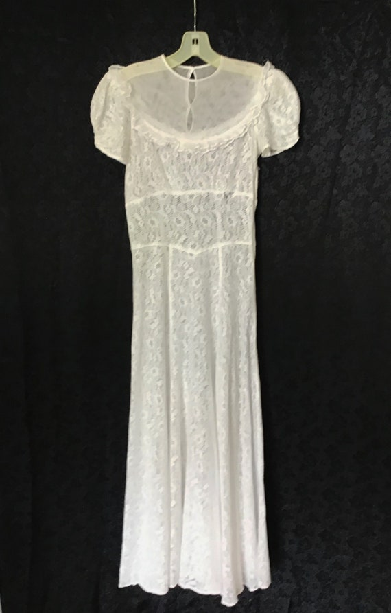 1940s White Lace Gown, 1940s Wedding Gown - image 10