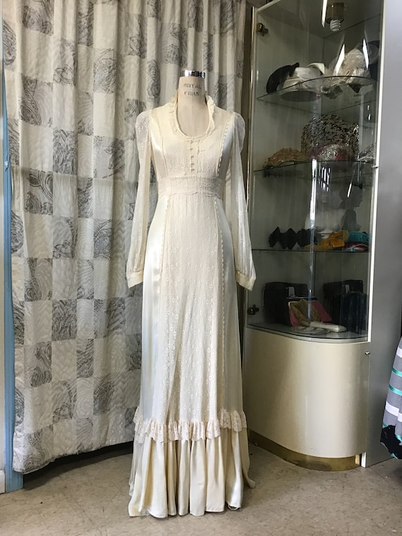 1970s Ivory Lace Gunne Sax, Ivory Wedding Gown