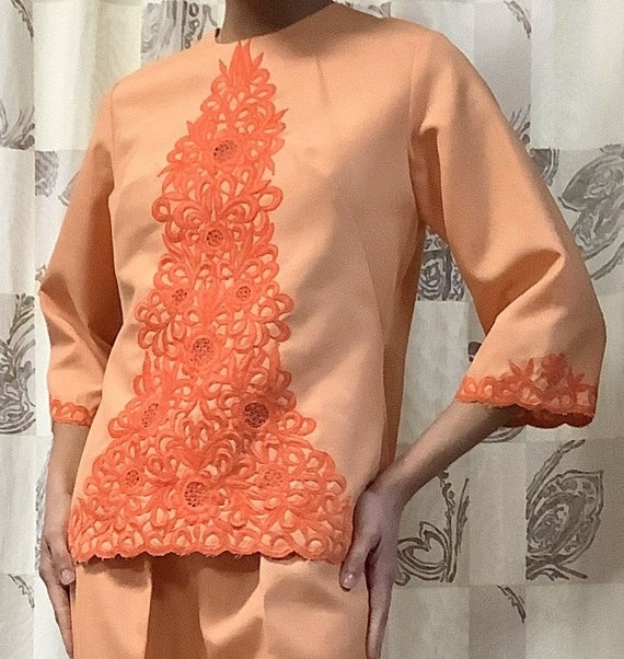 1970s Orange Embroidered Linen Suit - image 2