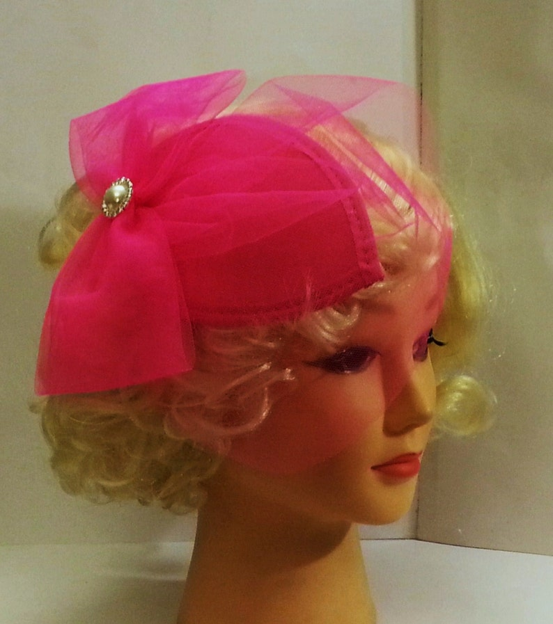 4361dc4ff8fd7 Hat Fascinator 1940s-50s Veil Hat HOT PINK Teardrop hat