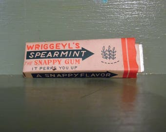 Funny Naughty Trick Chewing Gum Snappy Spearmint Gag Gift Joke Japan Spring Novelty Mid Century Modern Retro Vintage