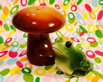 Frog with Mushroom Toadstool Salt and Pepper Shakers made in Japan circa 1950s