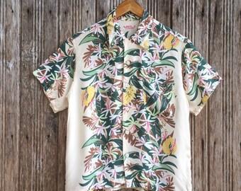 1f1d81ca Vintage Sun Surf Hawaii Rayon flower design hawaiian shirts