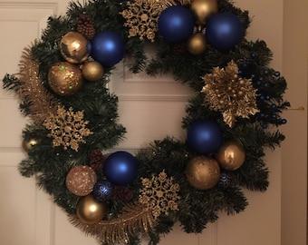 Customizable Festive Wreath
