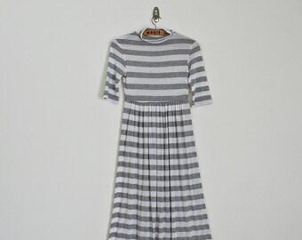SALE ! Vintage 90s mock neck striped maxi dress // Size S