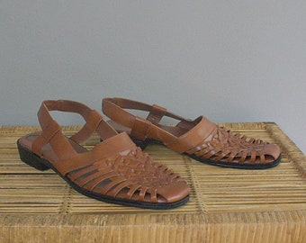 76b327d13d05c6 Vintage 80 s 90 s deadstock leather woven sling back sandals    US 7   EU 38